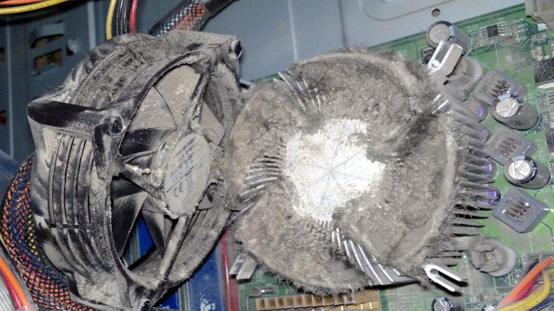 Регулярная чистка компьютера от пыли